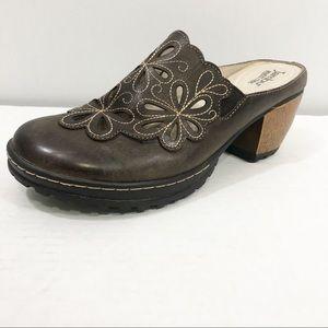Jambu Balsa brown comfort clogs size 8 NEW